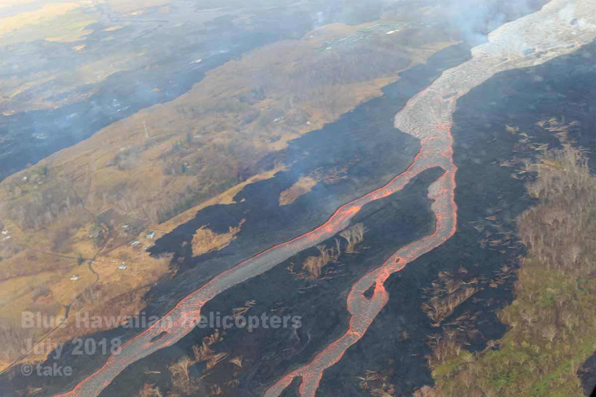 赤い溶岩の川 その2