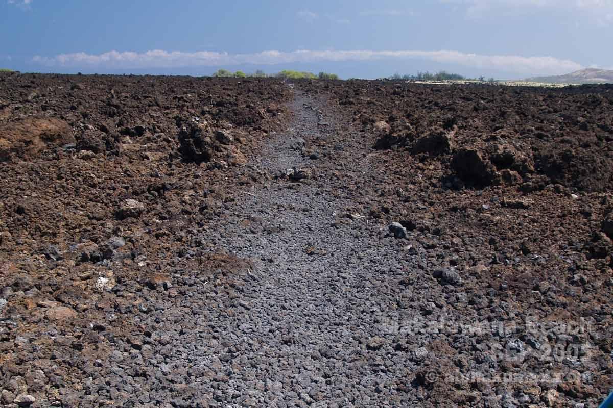 アア溶岩の道