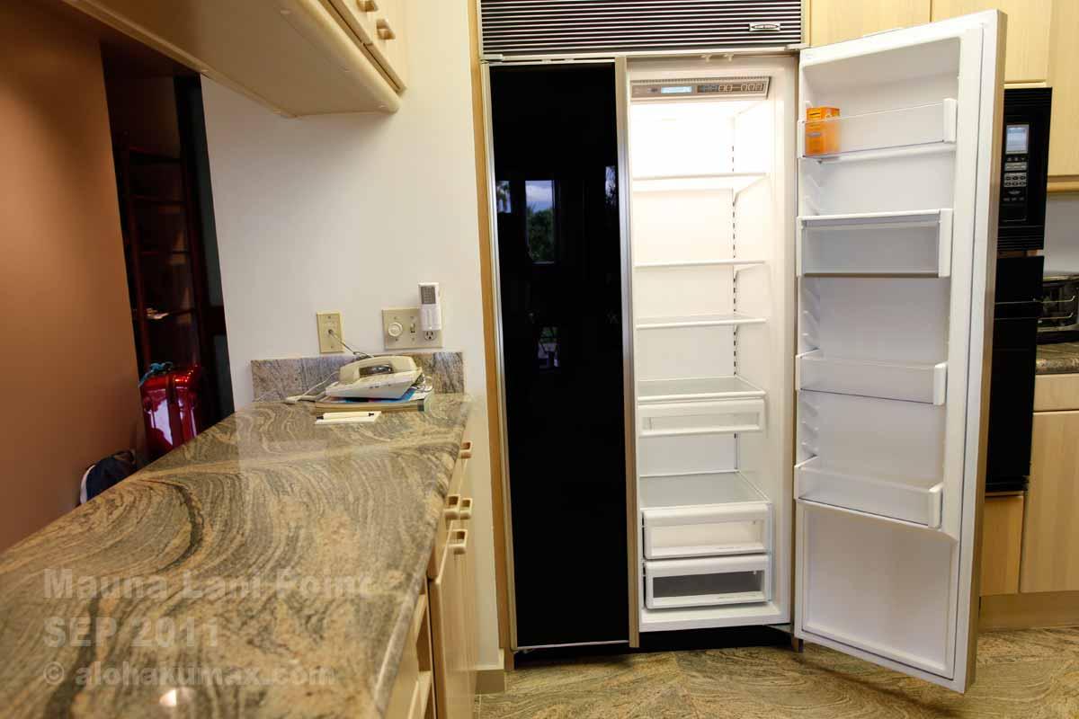 冷蔵庫はかなり大きい