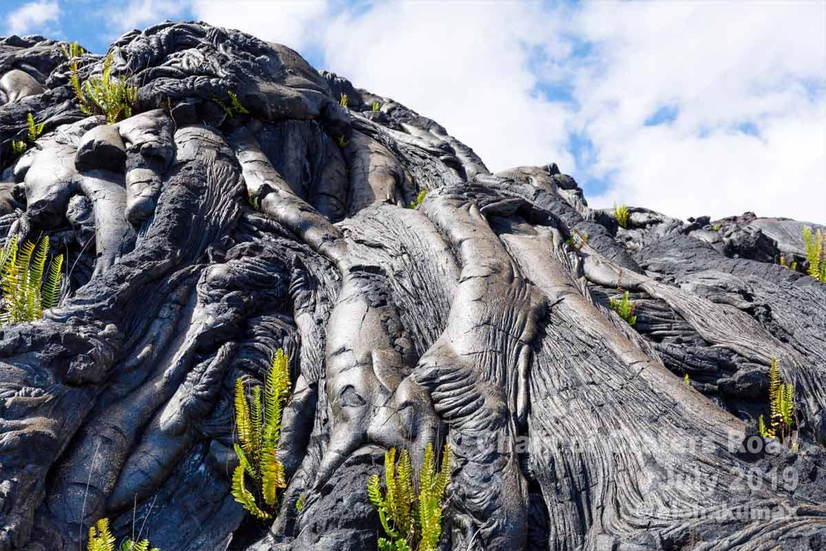 晴れている時の溶岩