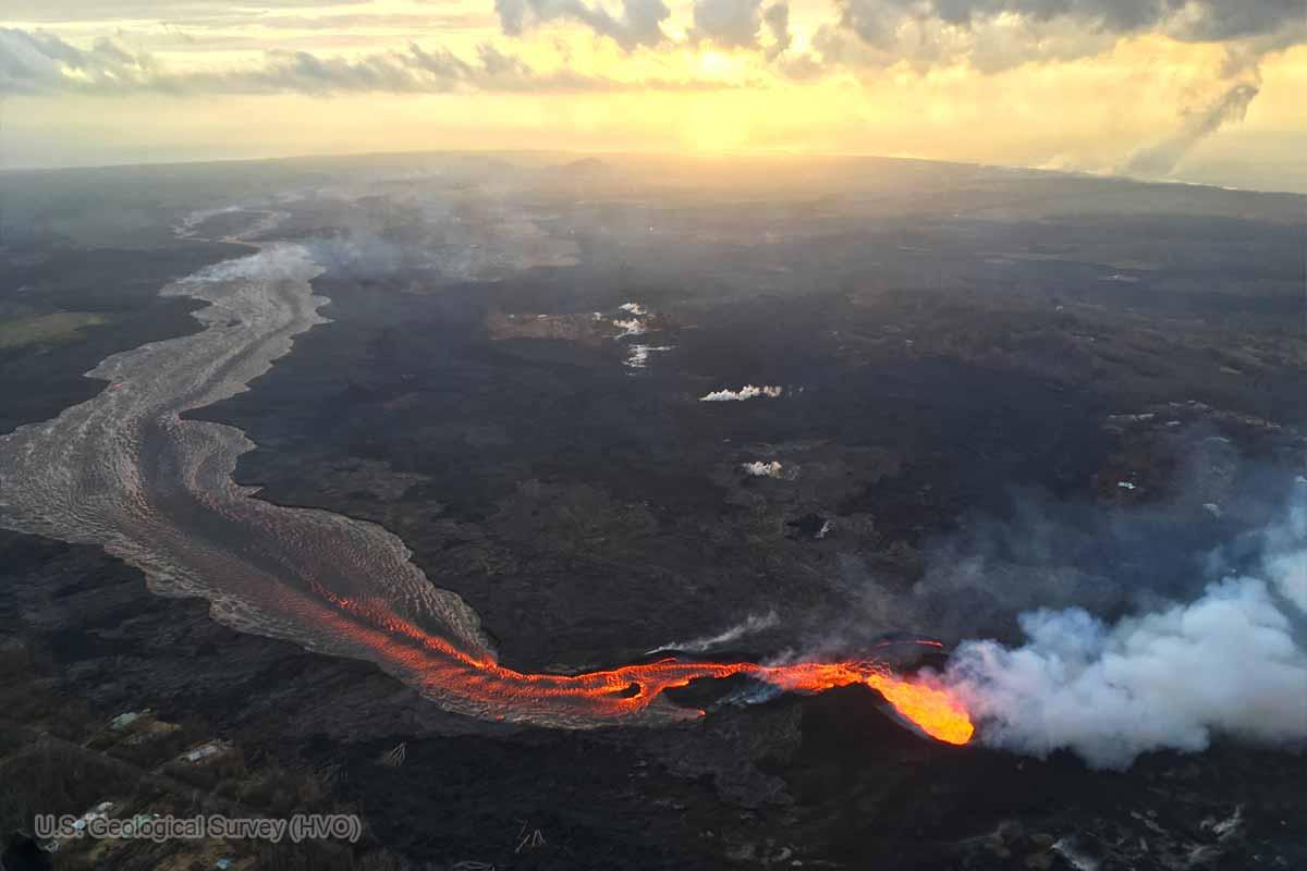 大きな噴火口へと成長した「亀裂8」(2018年7月17日)