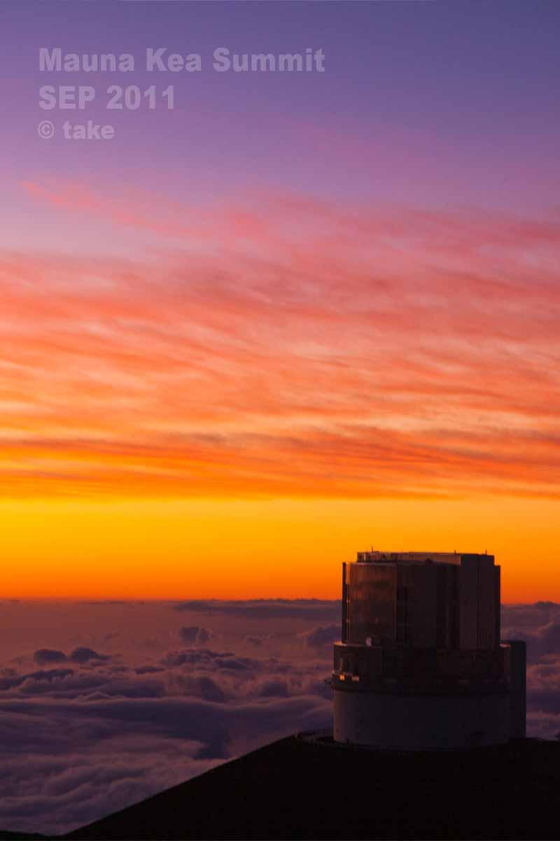 夕陽とすばる望遠鏡