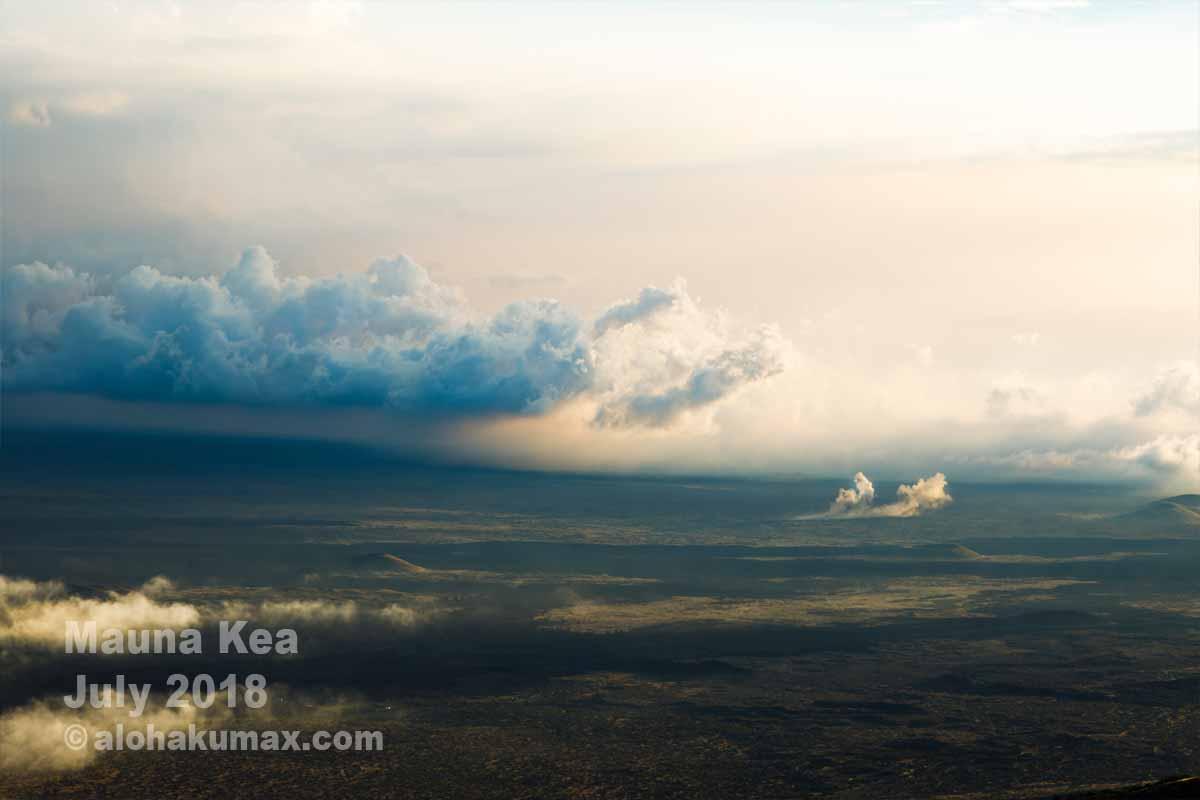雲と砲弾の煙