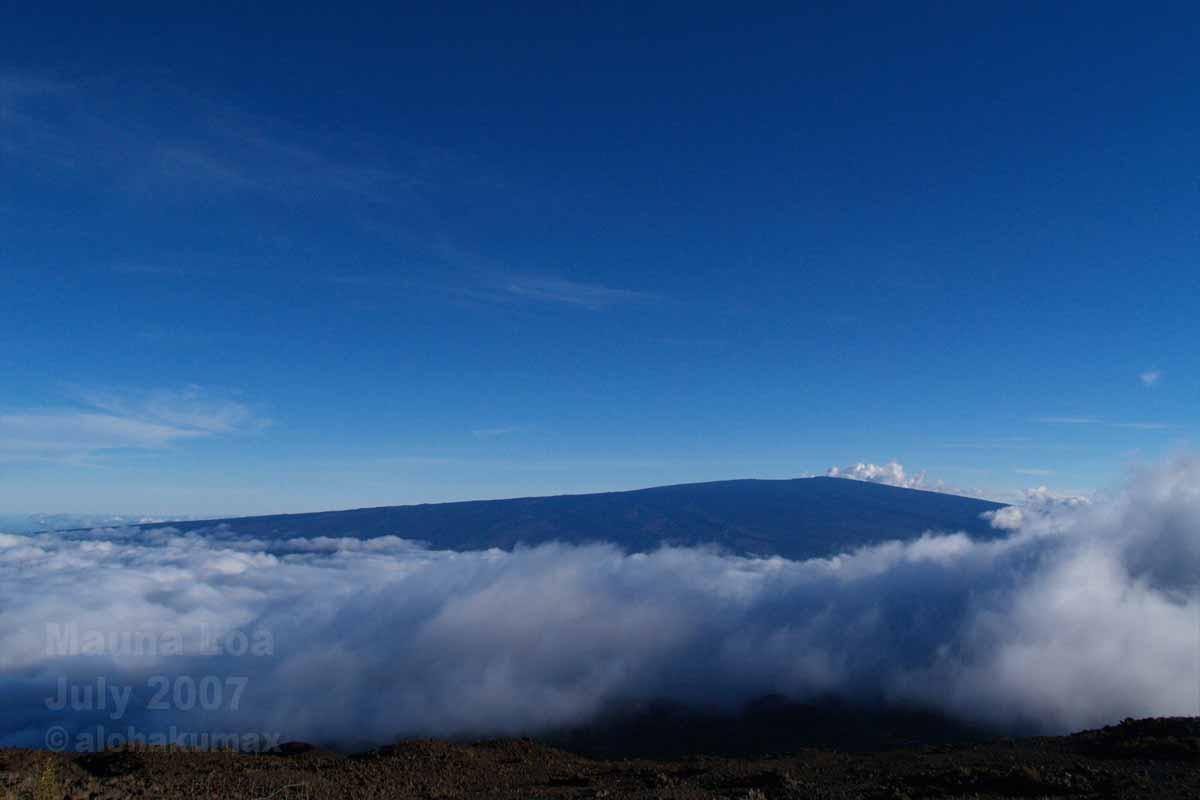 マウナ・ケア 3,300m 付近より