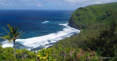 ポロル渓谷展望台 » 海の青と渓谷の緑を楽しめる場所 / ハワイ島