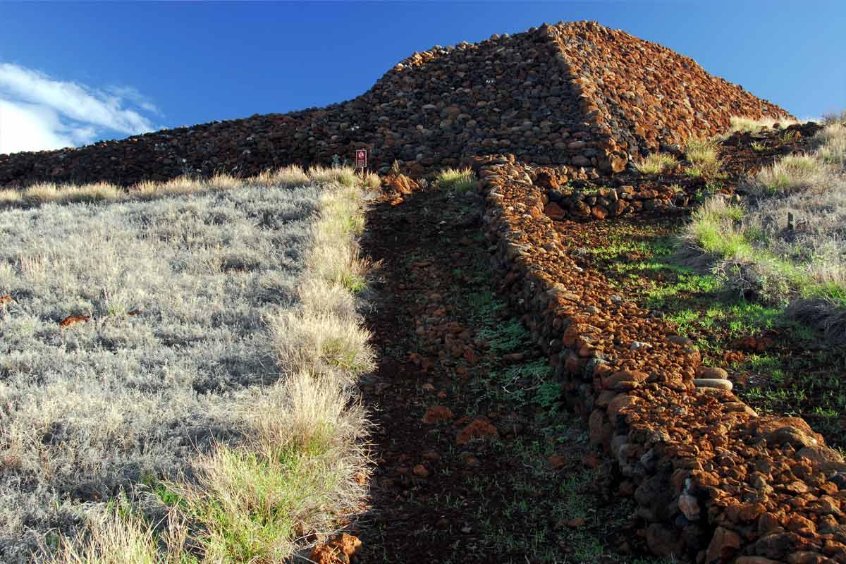 プウコホラ・ヘイアウの石垣